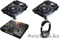 PIONEER CDJ-2000 Nexus PAIR CD PLAYER AND DJM-2000 Nexus DJ MIXER.